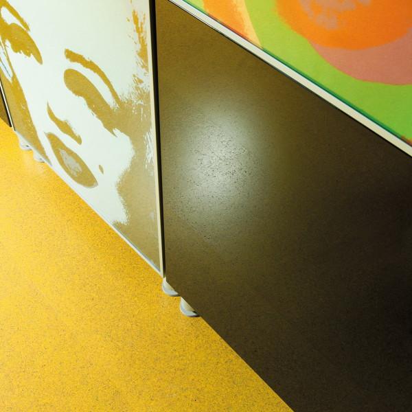 Kurk Standard Yellow close-up